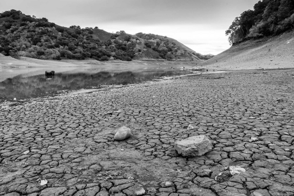 Effect of the drought on the Uvas Reservoir in Santa Clara County. (Photo courtesy of Don DeBold via Flickr/Creative Commons)