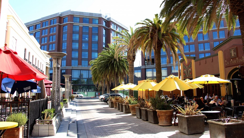 New headquarters for tech storage firm Box overshadows one of the gateways for the emerging downtown in Redwood City; some residents are complaining about dramatic changes in the city landscape. (Ana Santos/Peninsula Press)