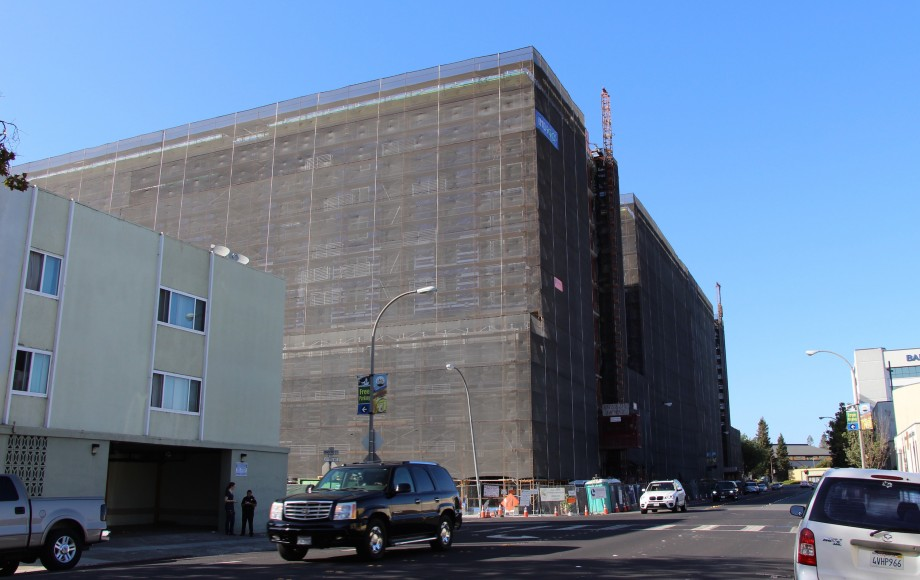 In the face of a building boom, Redwood City residents are urging City Council to slow downtown development. Increased traffic and lack of enough parking have been locals' two major complaints. (Ana Santos/Peninsula Press)