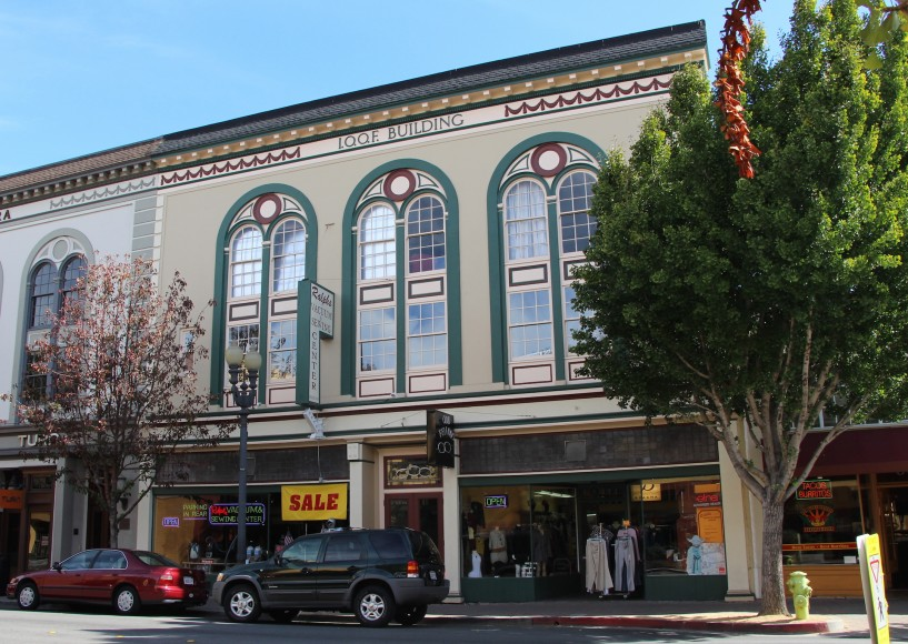 Ralph's Vacuum & Sewing Center at Main Street, Redwood City, is pictured. Owners have preserved the original facade of the building, built in 1895 by the The International Order of Odd Fellows (IOOF).  (Ana Santos/Peninsula Press)