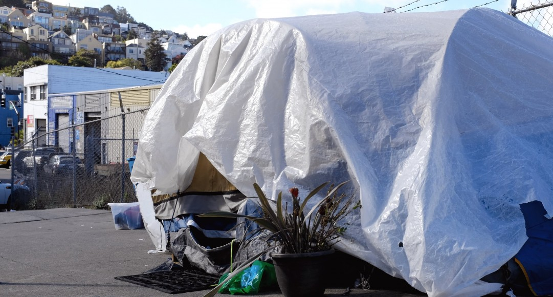 A lone tent occupies a sidewalk in San Francisco's Mission District, on Tuesday, Nov. 1, 2016. If passed Nov. 8, Prop Q would give tent occupants 24 hours to vacate if the city can provide shelter for one night. (Peter Arcuni/Peninsula  Press)