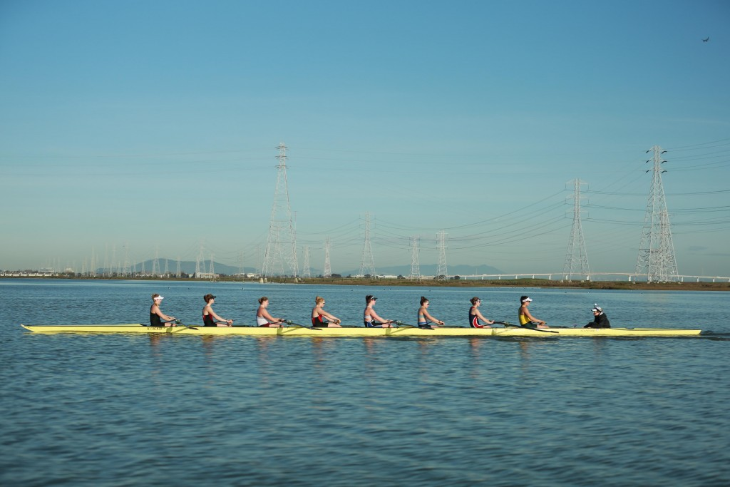 The team heads back to the boat house after an intense practice Wednesday, Mar. 8, 2017. (Felix Petermann/Peninsula Press)