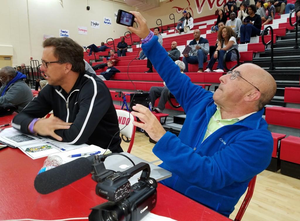 Los Angeles Times sportswriter Eric Sondheimer at work. (Photo courtesy of Nick Koza)