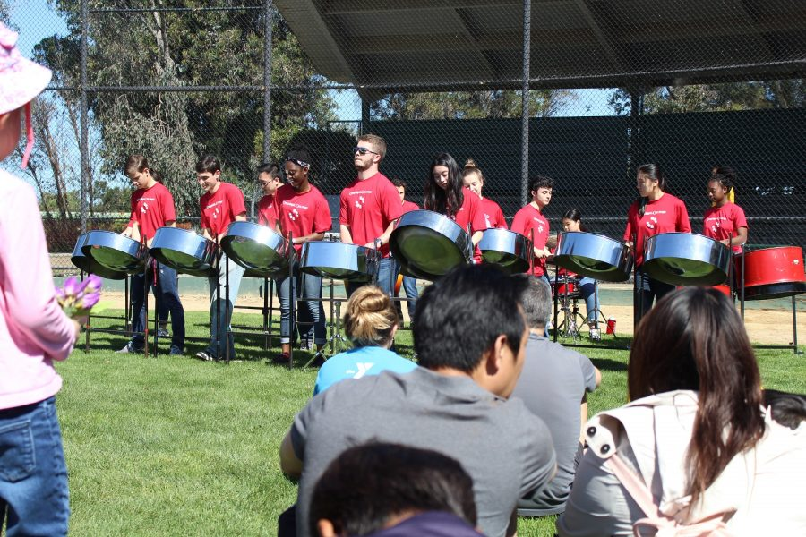 Cardinal Calypso performs live music for Palo Alto's Earth Day 2018