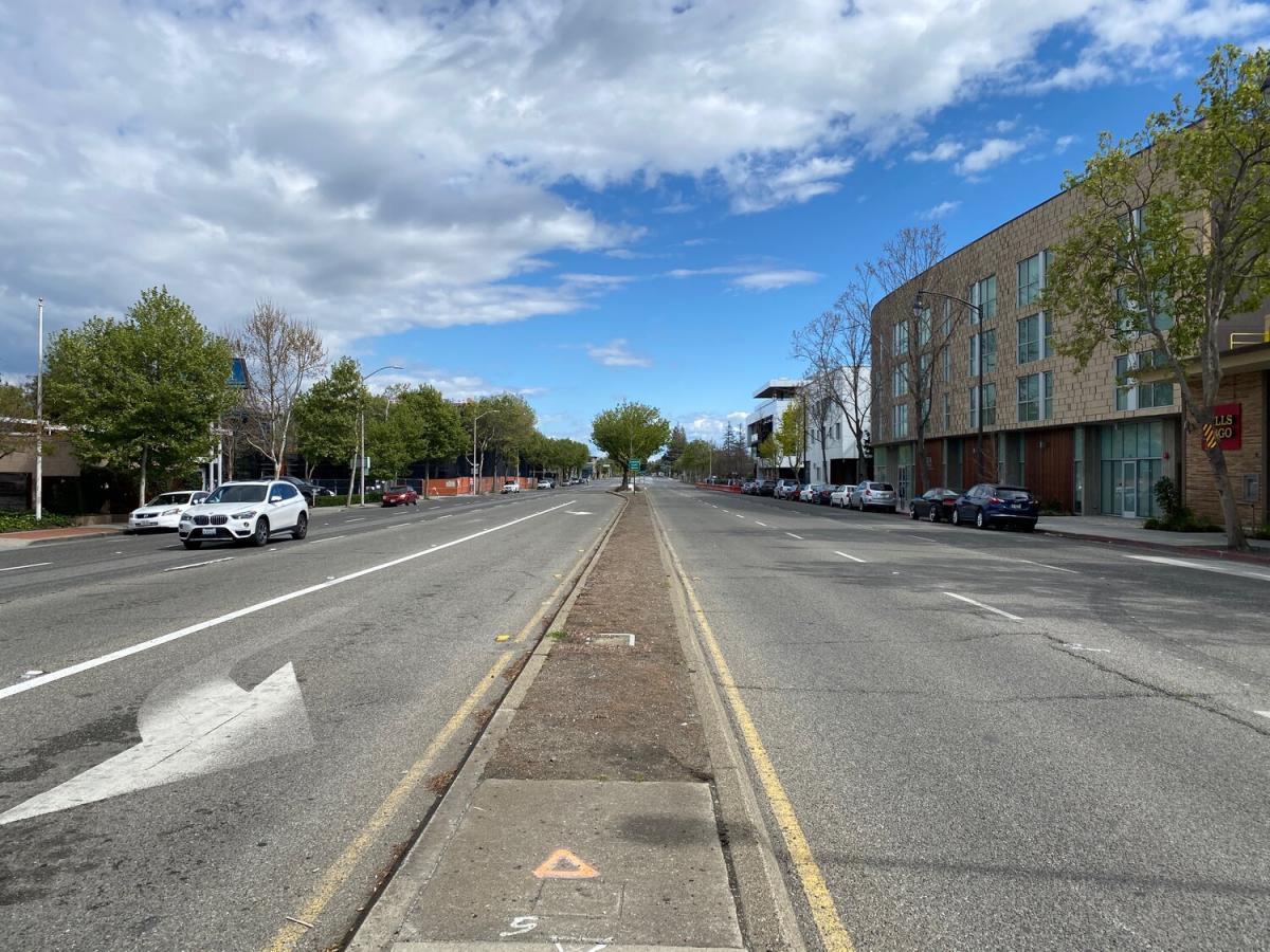 California Ave street