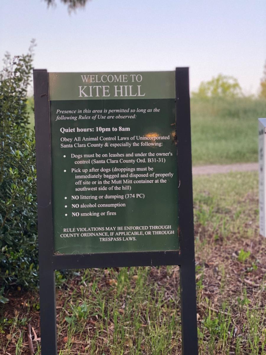 Kite Hill sign